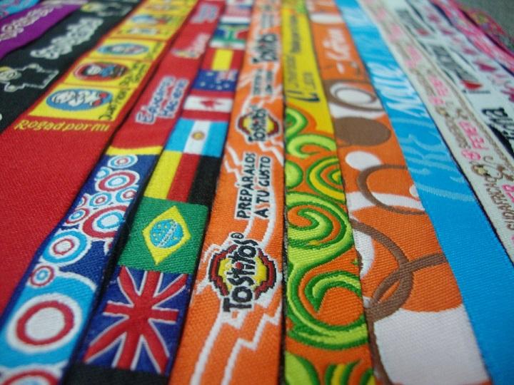 deedebd20b89 Pulseras de Tela Promocionales - Somos Fabricantes